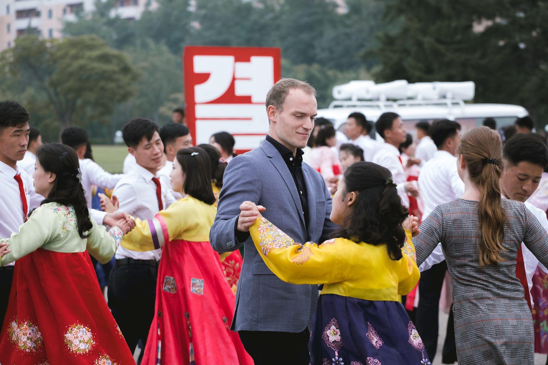 Dans til Nordkoreansk helligdag