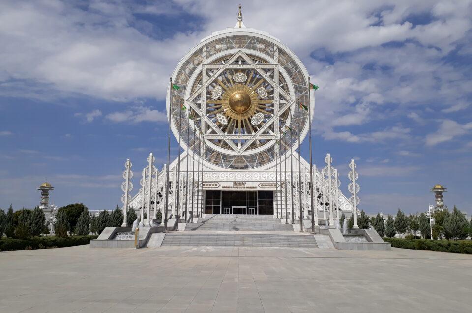Turkmenistan – Symbolikkens Mekka