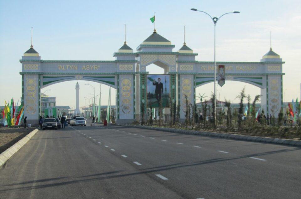 Altyn Asyr Bazaar i Asjkhabad